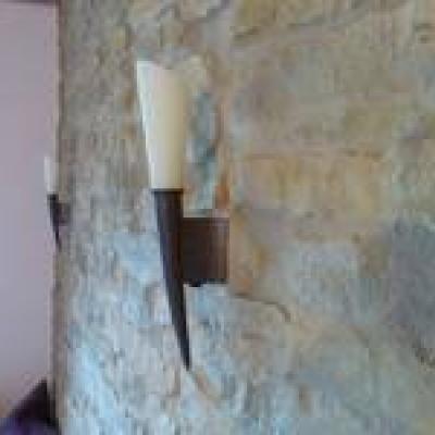 Steinwand Mit Lampe
